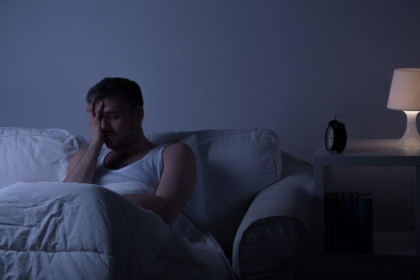 Hoe 's nachts stoppen met piekeren?