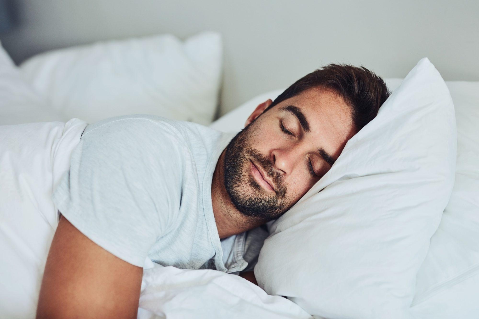Slaaprimpels: denk aan uw slaaphouding en het juiste hoofdkussen